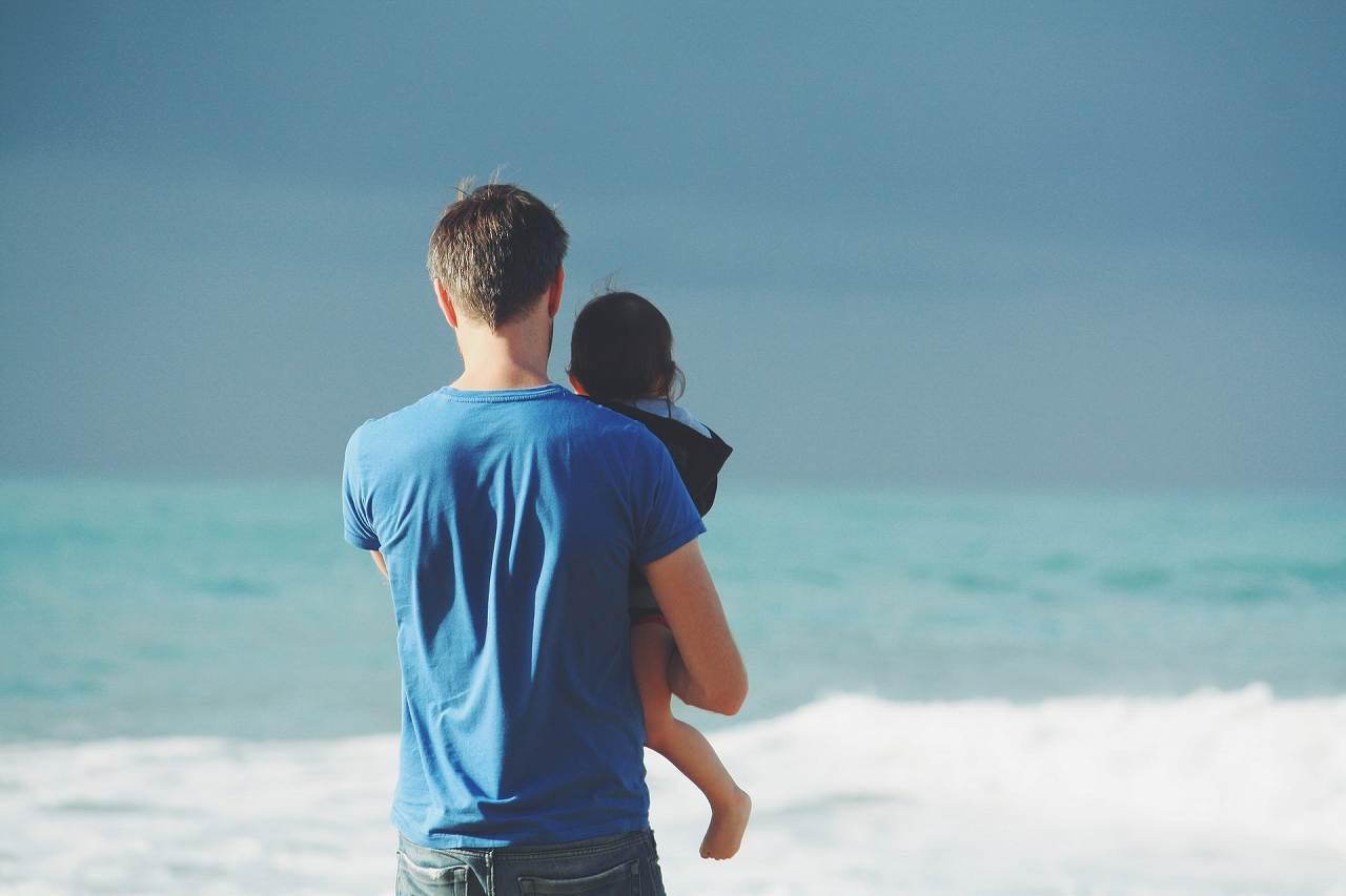転職に悩んでいる父親は悔いの無い子育てを
